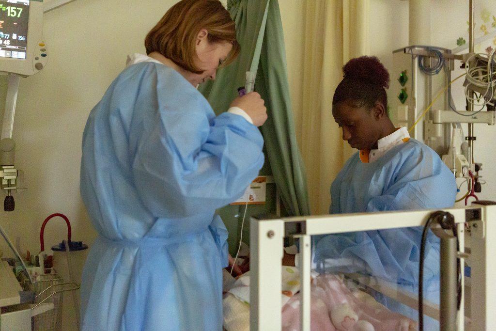 verpleegkundigen neonatologie verzoren neonaat